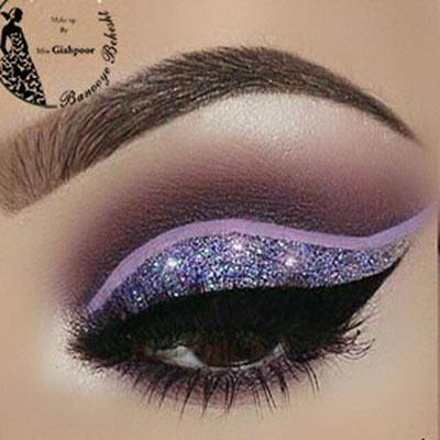 میکاپ چشم سبک فشن اروپا شباهتی به میکاپهای عربی دارد با این تفاوت که از رنگهای جیغ در آرایش فشن چشم استفاده میشود.