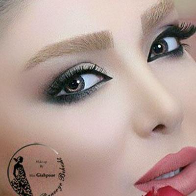 میکاپ لایت عروس یکی از مدهای اروپایی می باشد، آرایش لایت برگرفته از رنگهای روشن و ملایم است. این سبک آرایش امروزه  برای میکاپ عروس استفاده میشود.